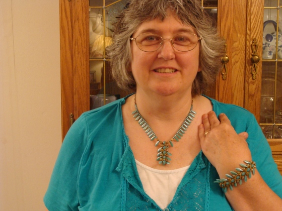 Carribean Blue necklace and bracelet set